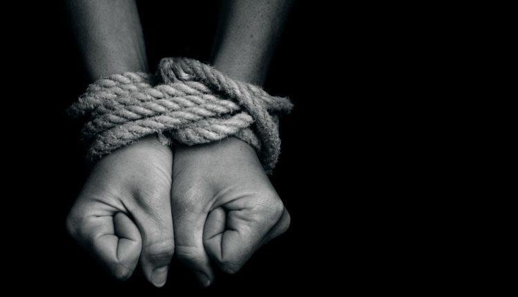Se faire détruire par la punition et l'infantilisation Les Mots de Myra